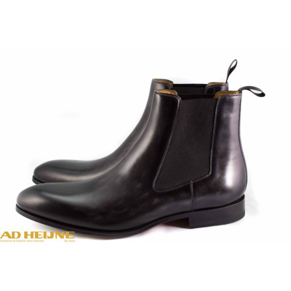 241-magnanni-chelsea-boot_1_big_image
