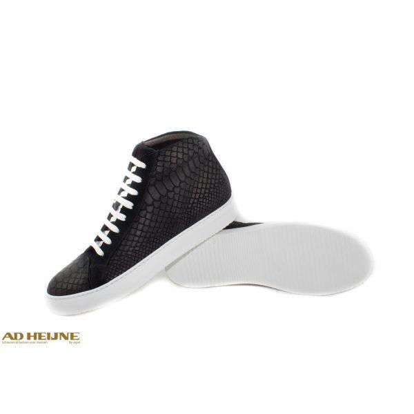 sneaker_zwart_nubuck_big_image
